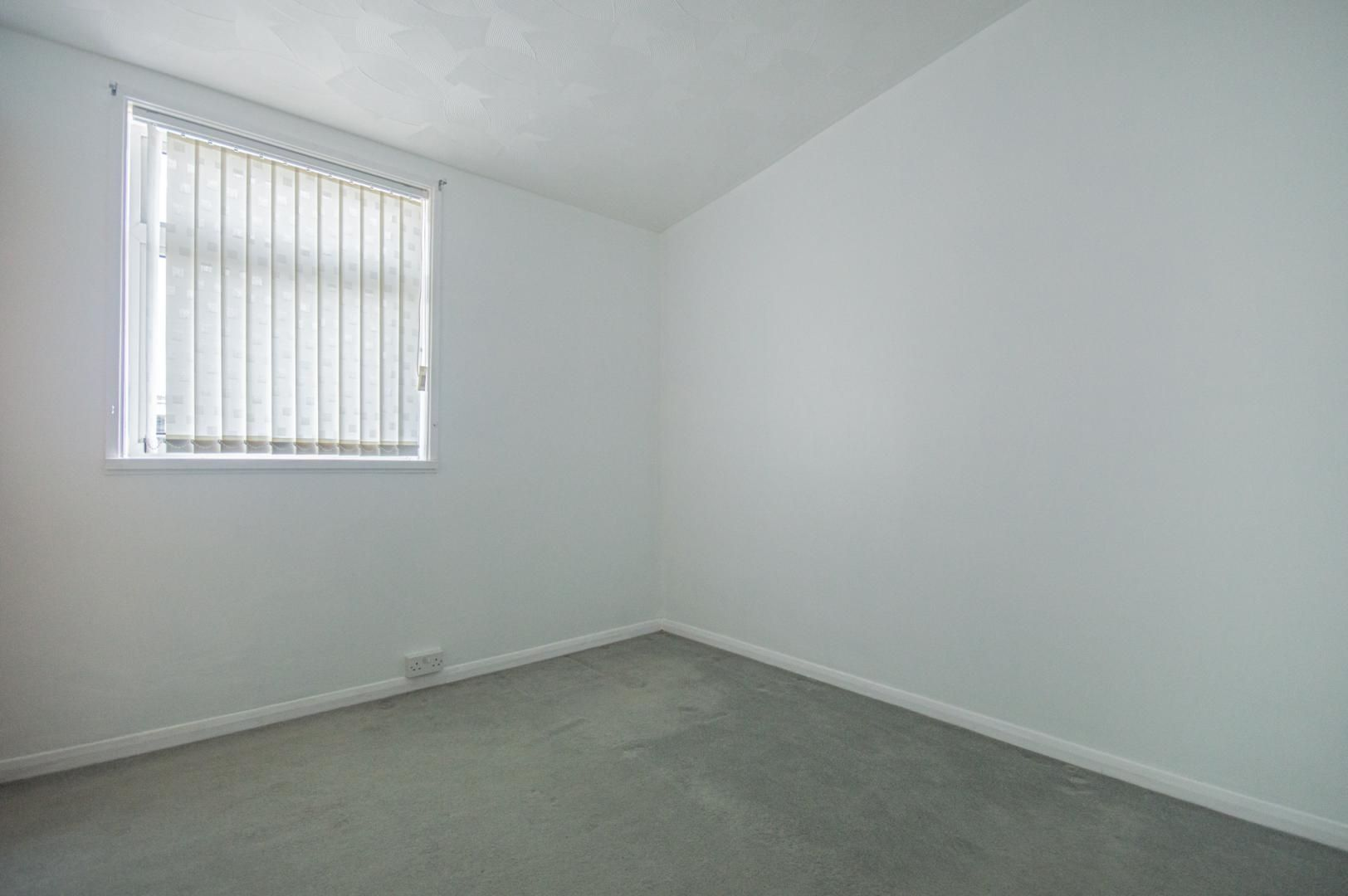 2 bed house to rent in Porthmawr Road 18