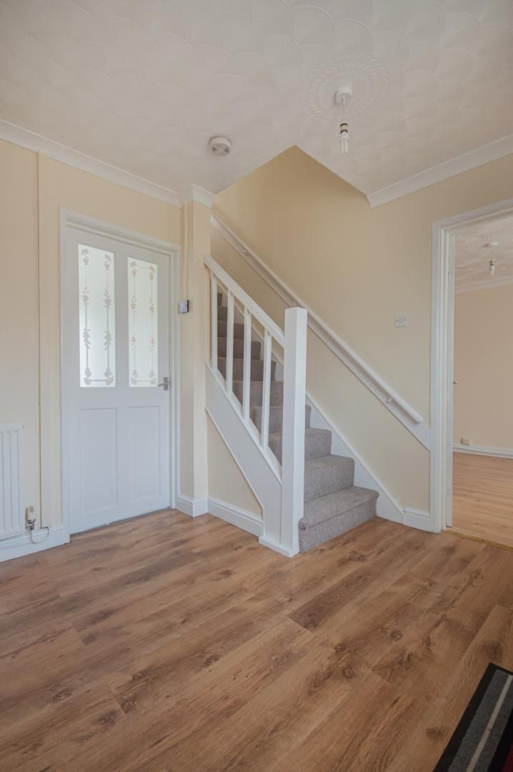 2 bed house to rent in Porthmawr Road 6
