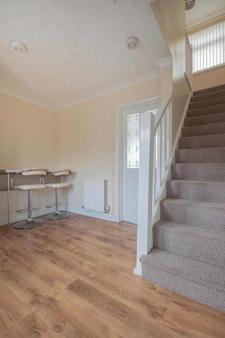 2 bed house to rent in Porthmawr Road 7