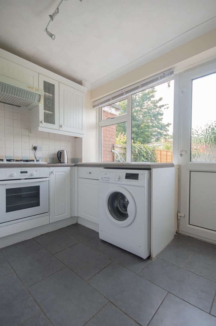 2 bed house to rent in Porthmawr Road 8