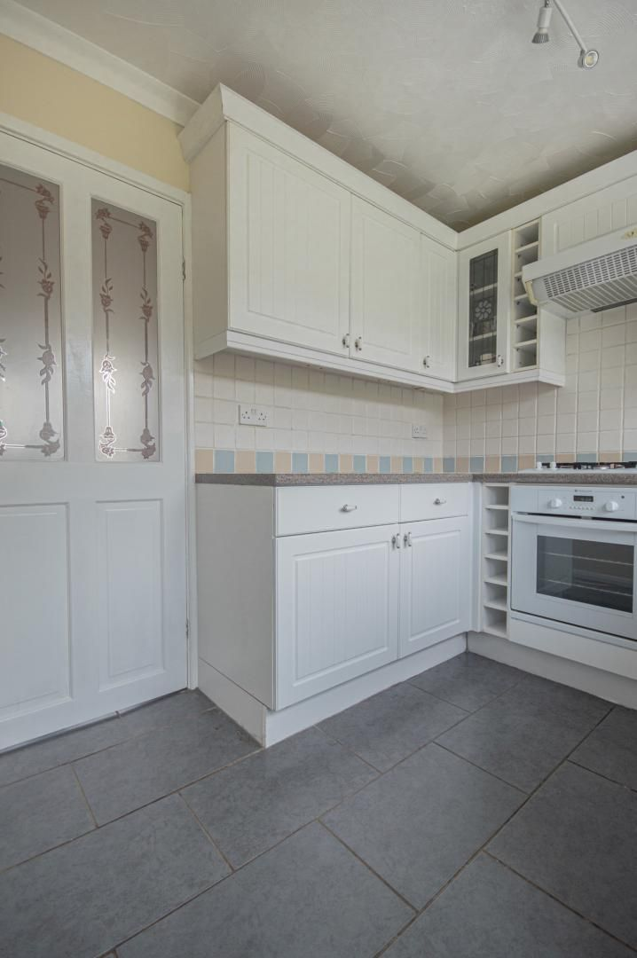 2 bed house to rent in Porthmawr Road 9