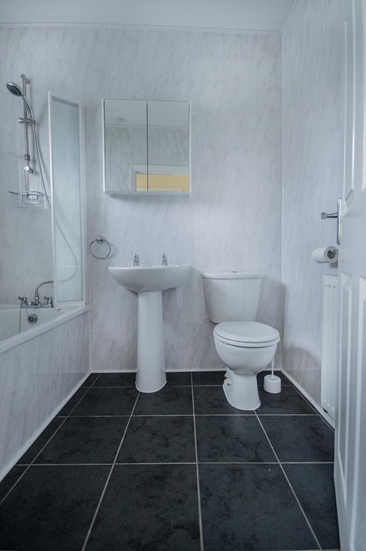 3 bed house to rent in Queen Street  - Property Image 13