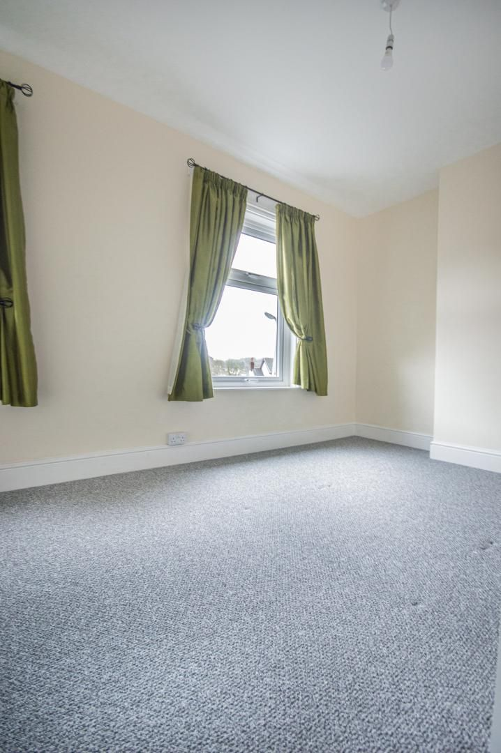 3 bed house to rent in Queen Street 16