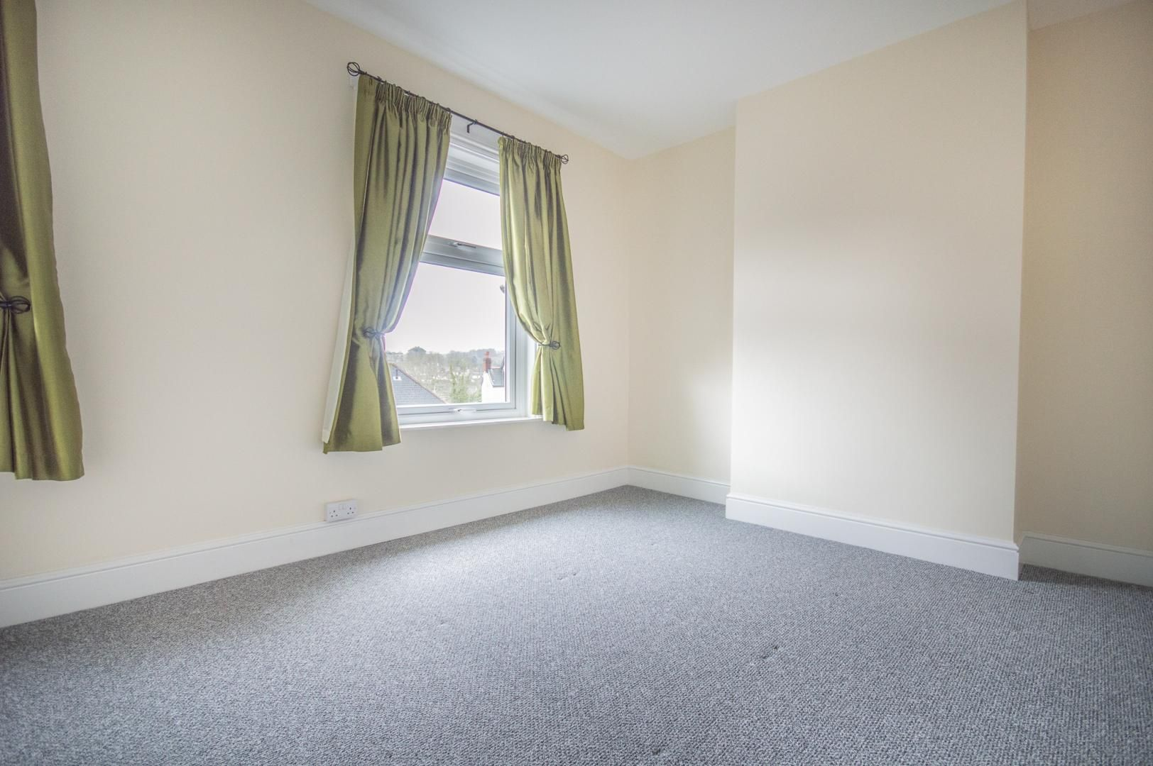 3 bed house to rent in Queen Street 17