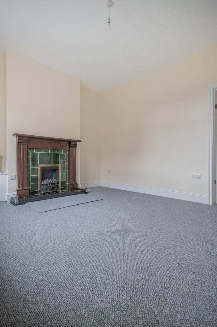 3 bed house to rent in Queen Street 3