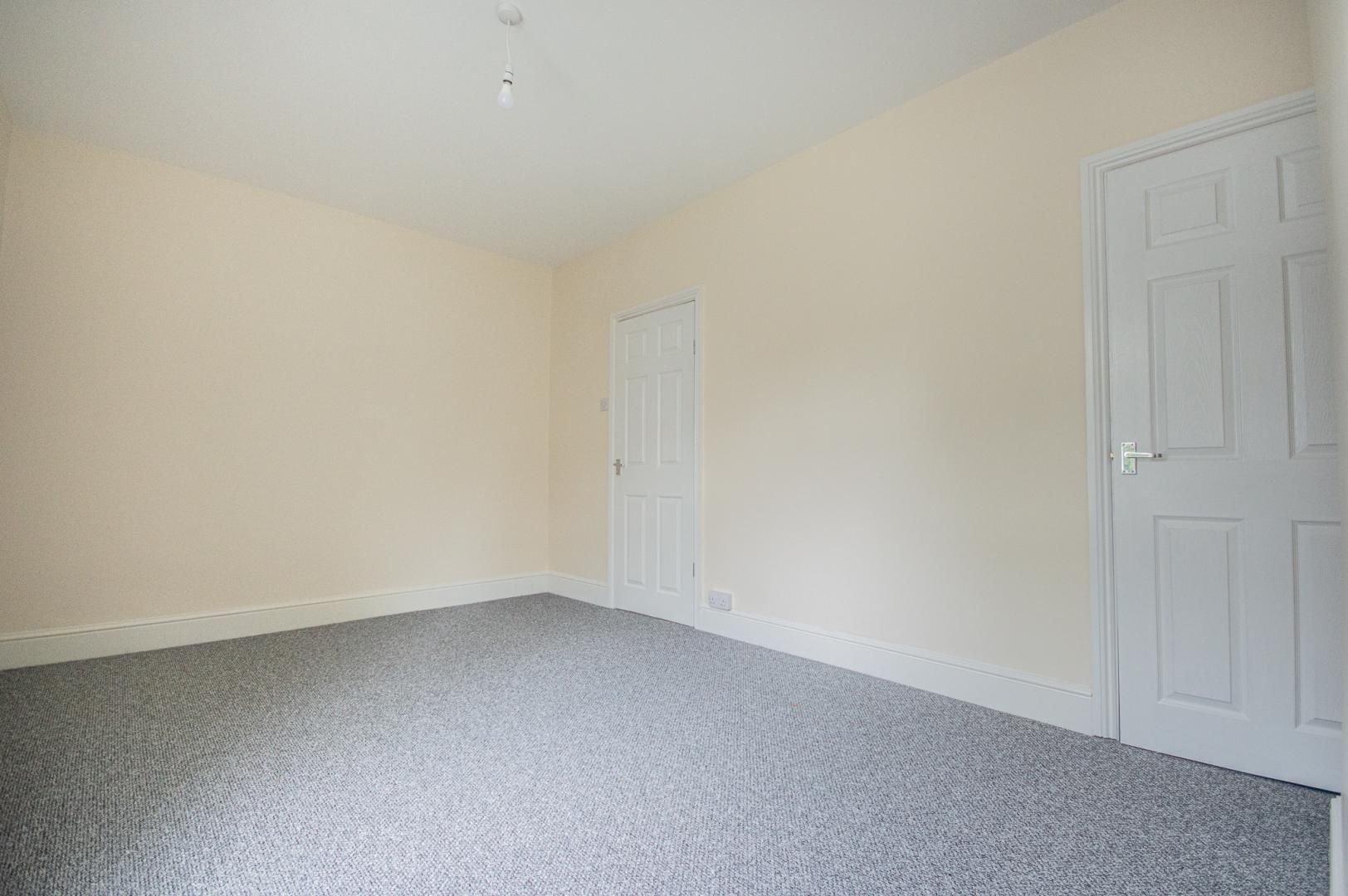 3 bed house to rent in Queen Street 21