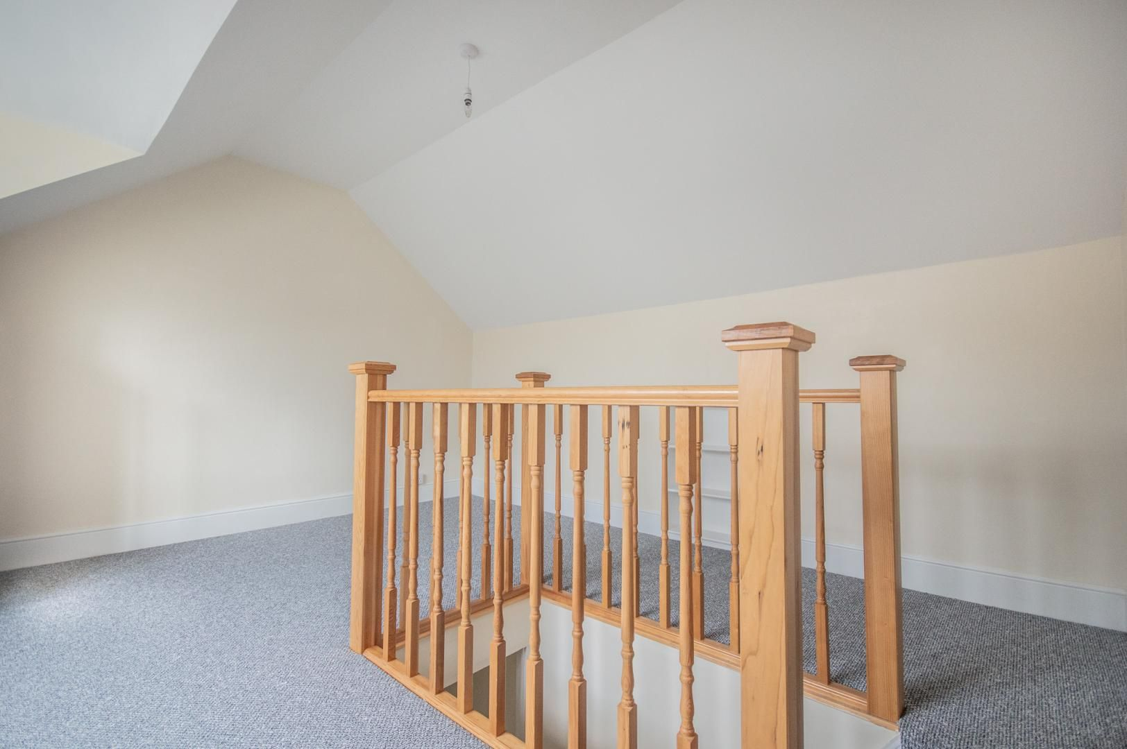 3 bed house to rent in Queen Street 25