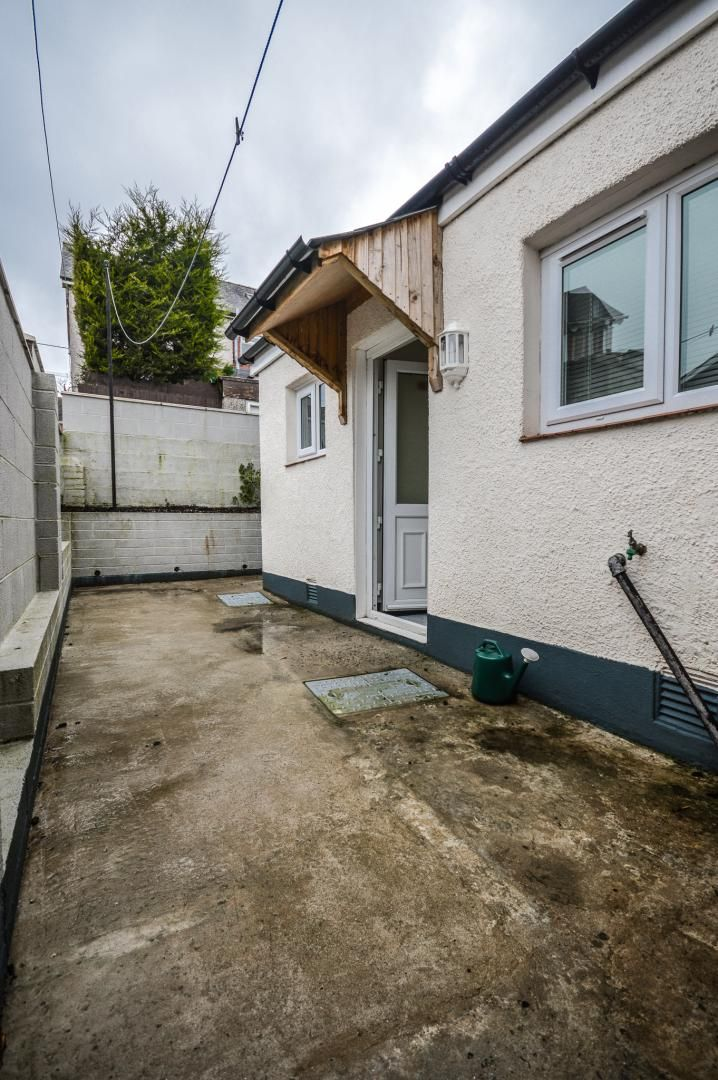 3 bed house to rent in Queen Street 26
