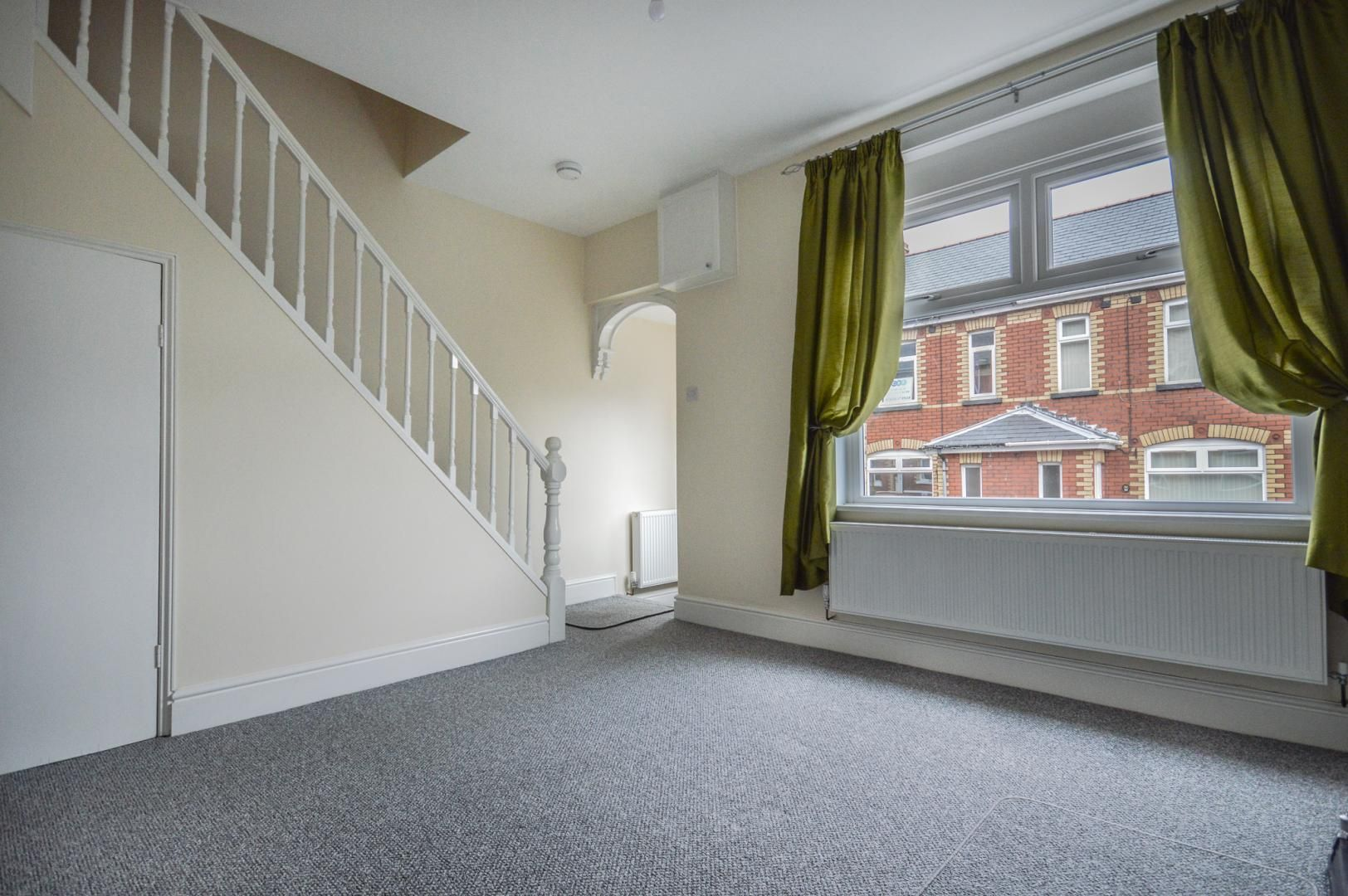 3 bed house to rent in Queen Street  - Property Image 4