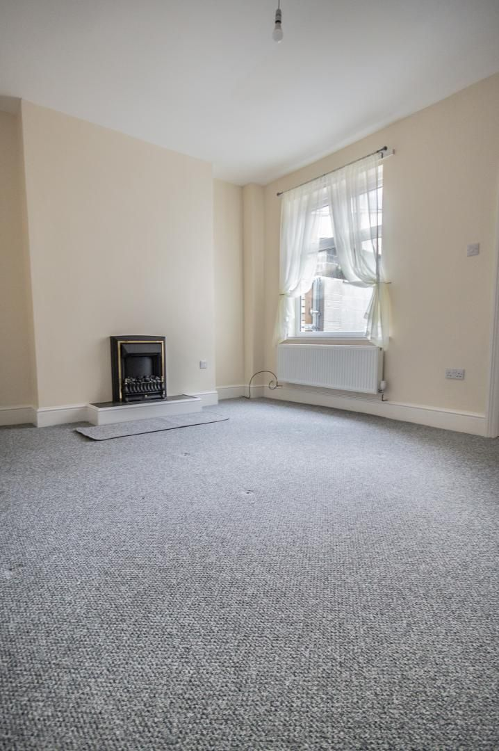 3 bed house to rent in Queen Street 6