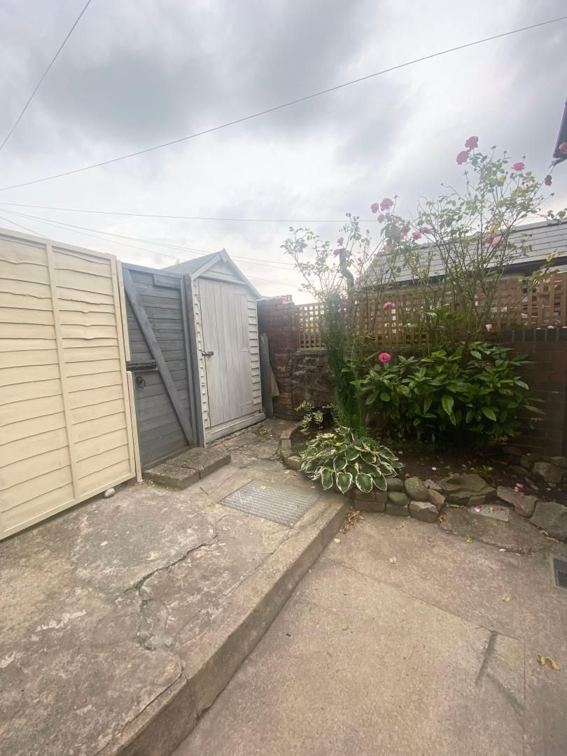 2 bed house to rent in High Street 20