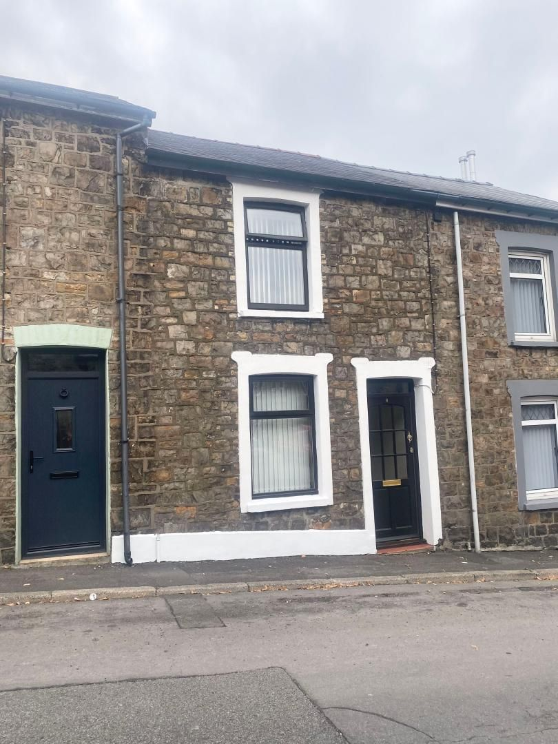 2 bed house to rent in High Street 22