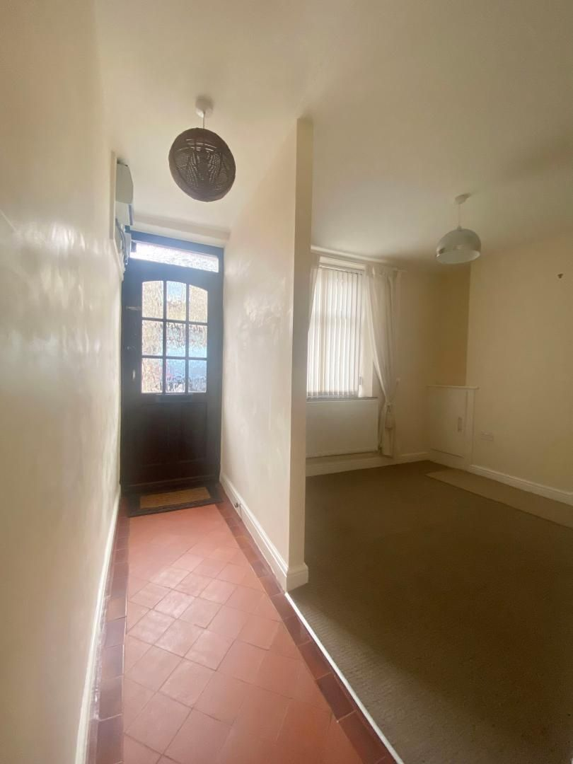 2 bed house to rent in High Street 5