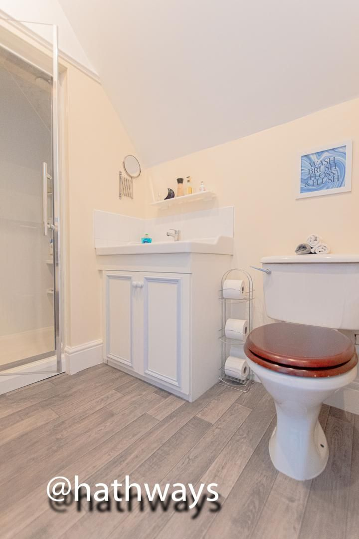 4 bed house for sale in Ashford Close South 25