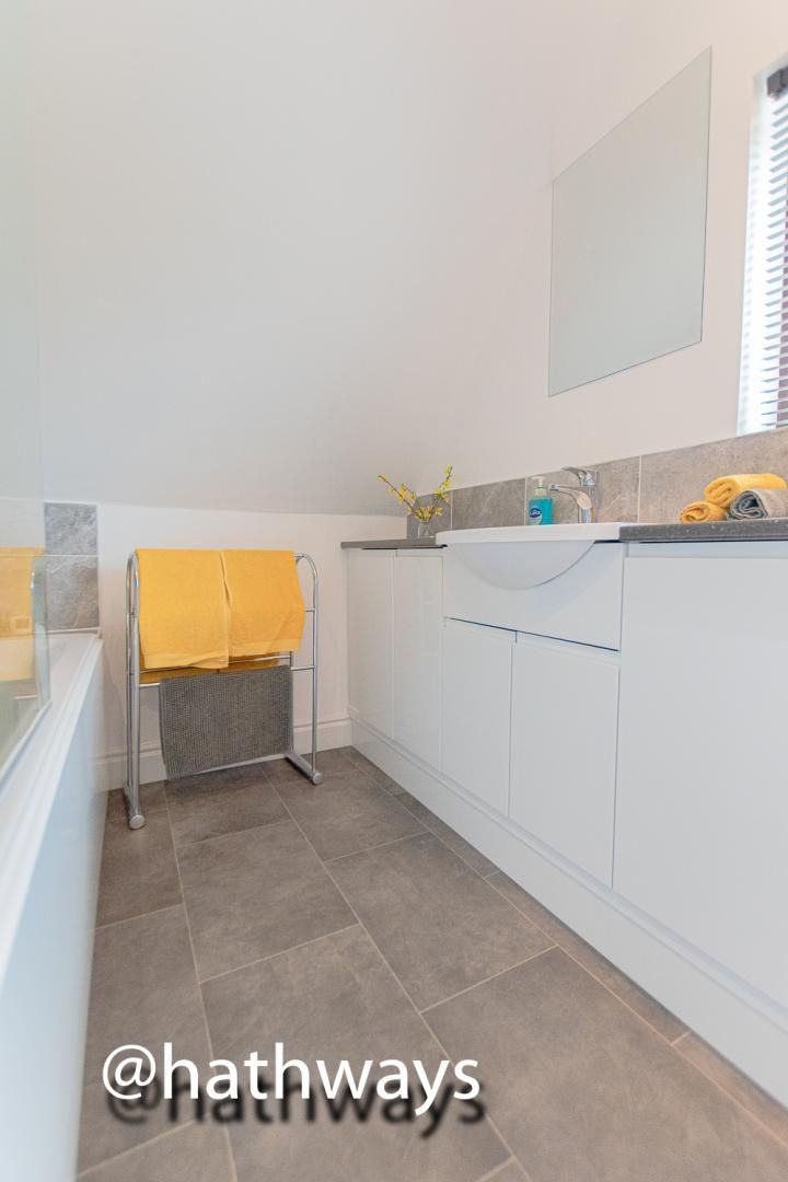 4 bed house for sale in Ashford Close South  - Property Image 46