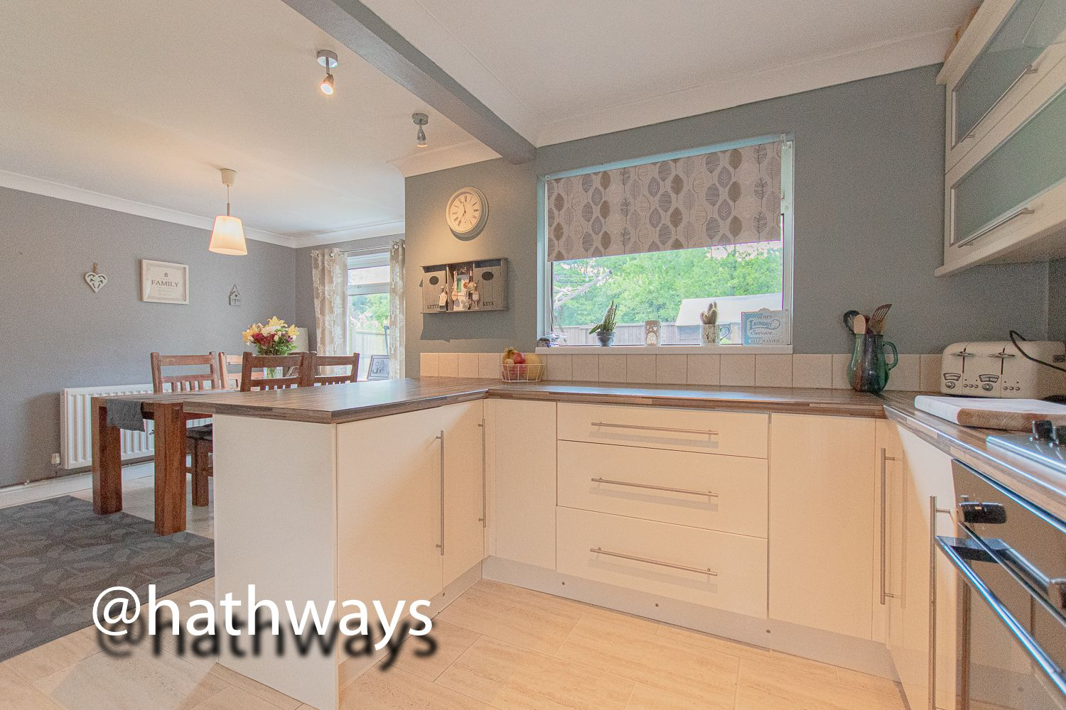 3 bed house for sale in The Haldens 3