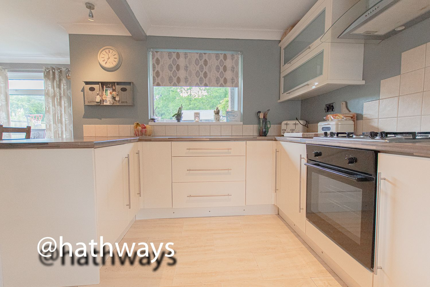 3 bed house for sale in The Haldens  - Property Image 6
