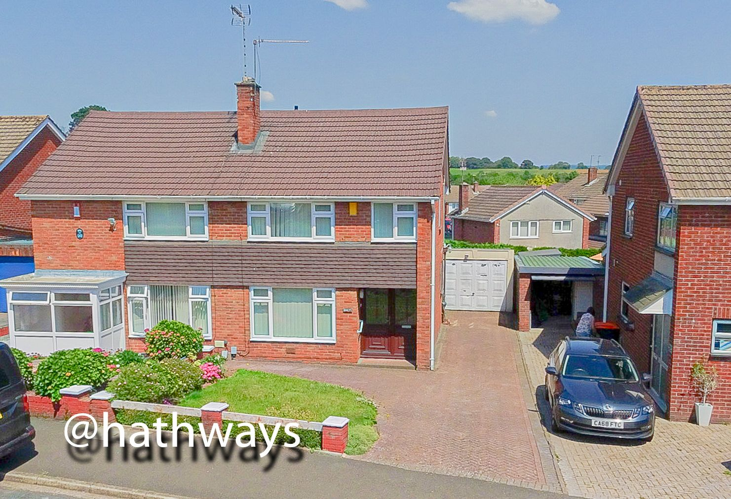 3 bed house for sale in Larch Grove 1