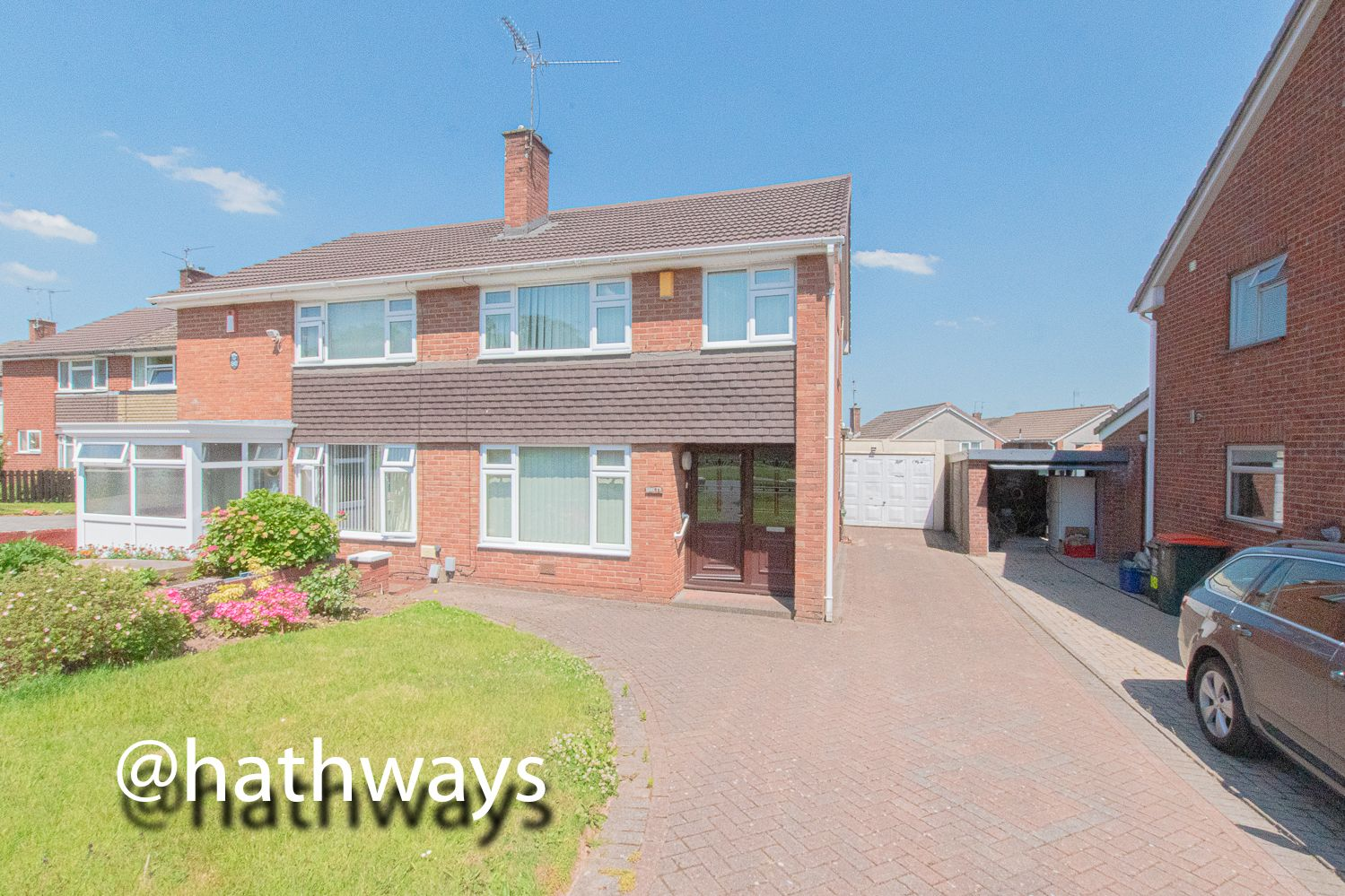 3 bed house for sale in Larch Grove 2