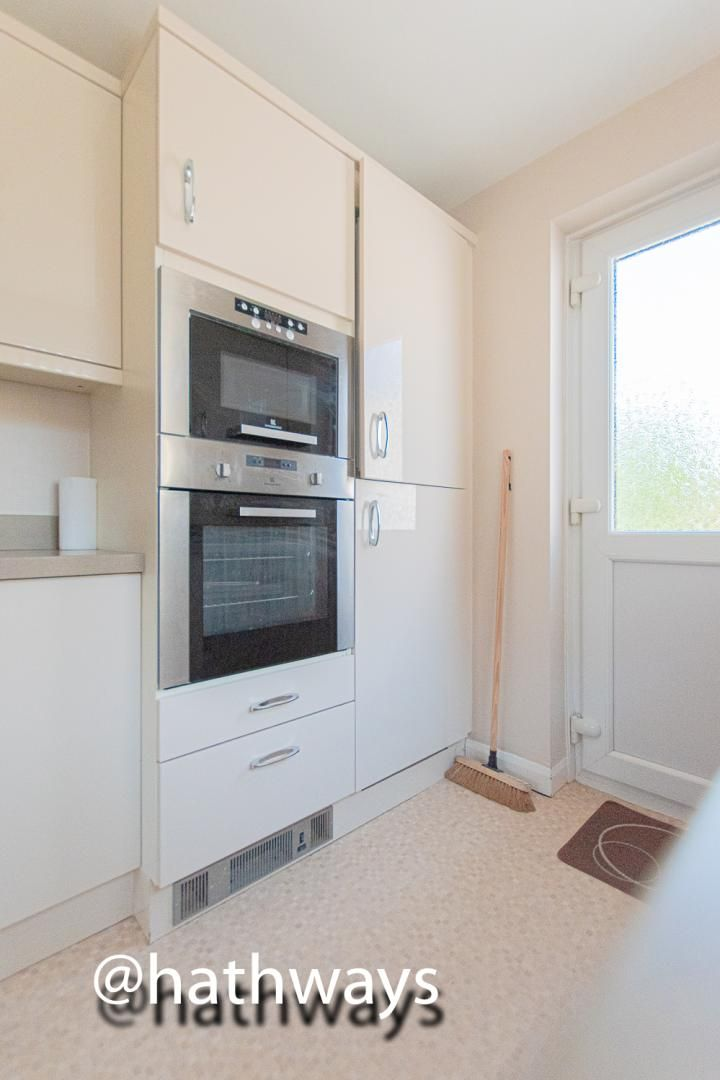 3 bed house for sale in Larch Grove 16