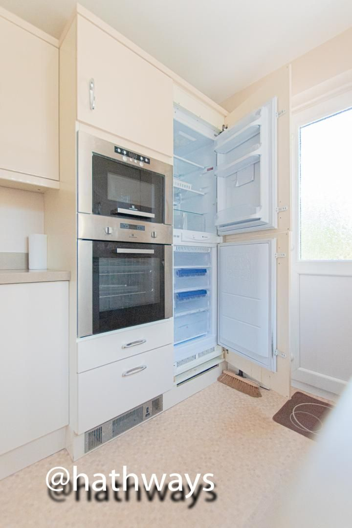 3 bed house for sale in Larch Grove 17