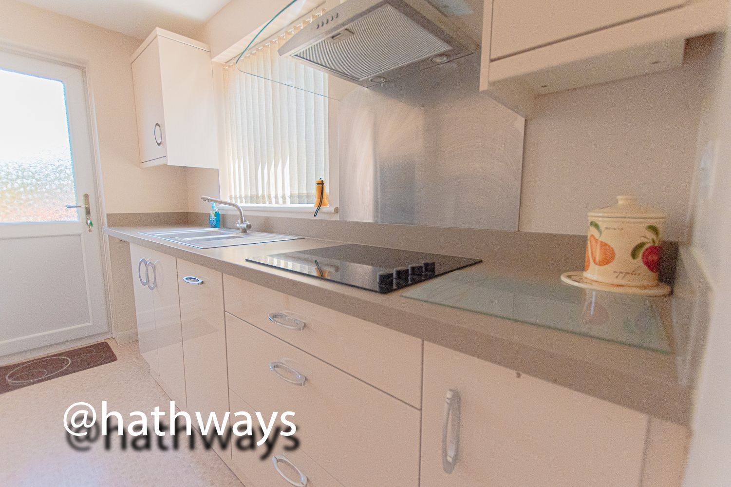 3 bed house for sale in Larch Grove  - Property Image 20
