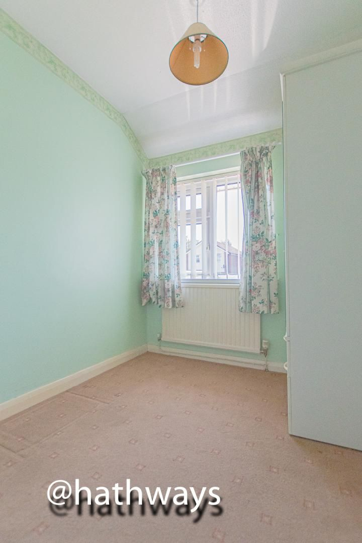 3 bed house for sale in Larch Grove 28