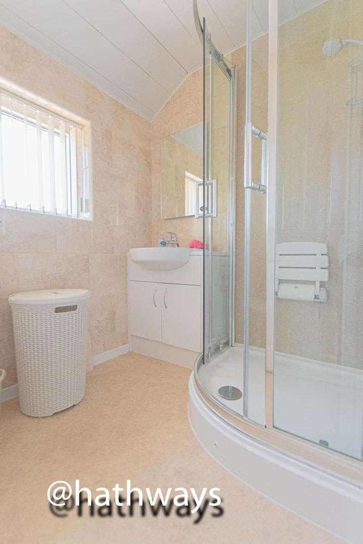 3 bed house for sale in Larch Grove 30