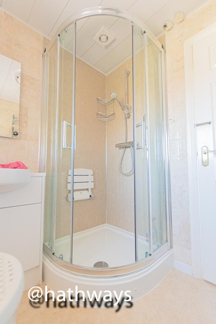 3 bed house for sale in Larch Grove 32