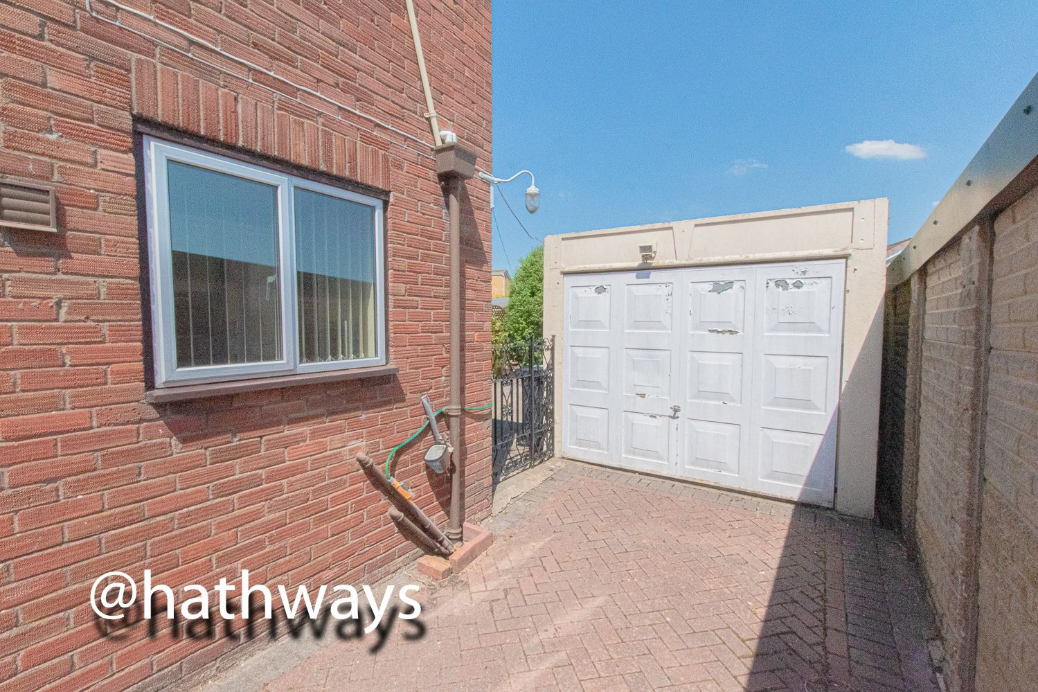 3 bed house for sale in Larch Grove 40