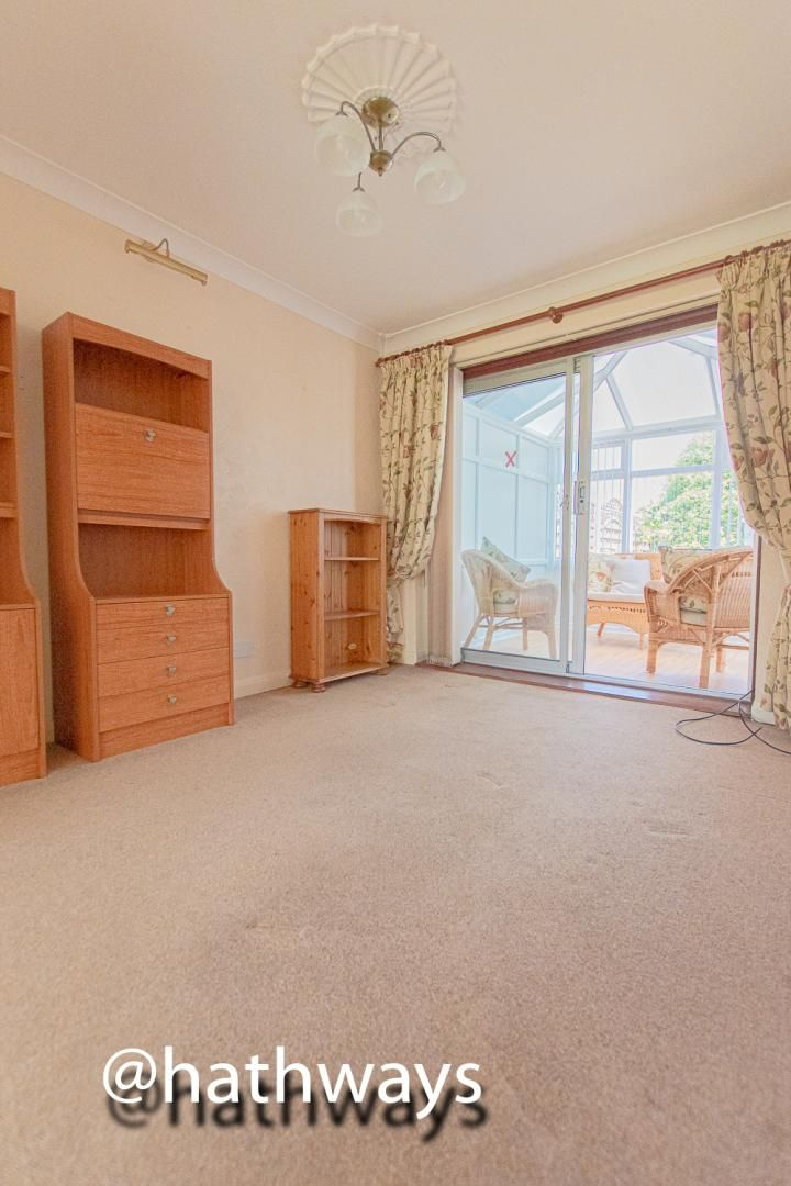3 bed house for sale in Larch Grove 7