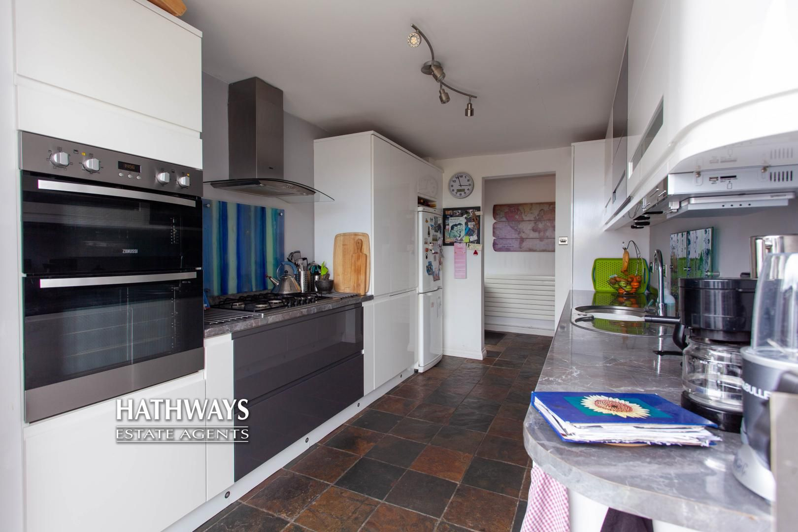 4 bed house for sale in Highfield Road 19