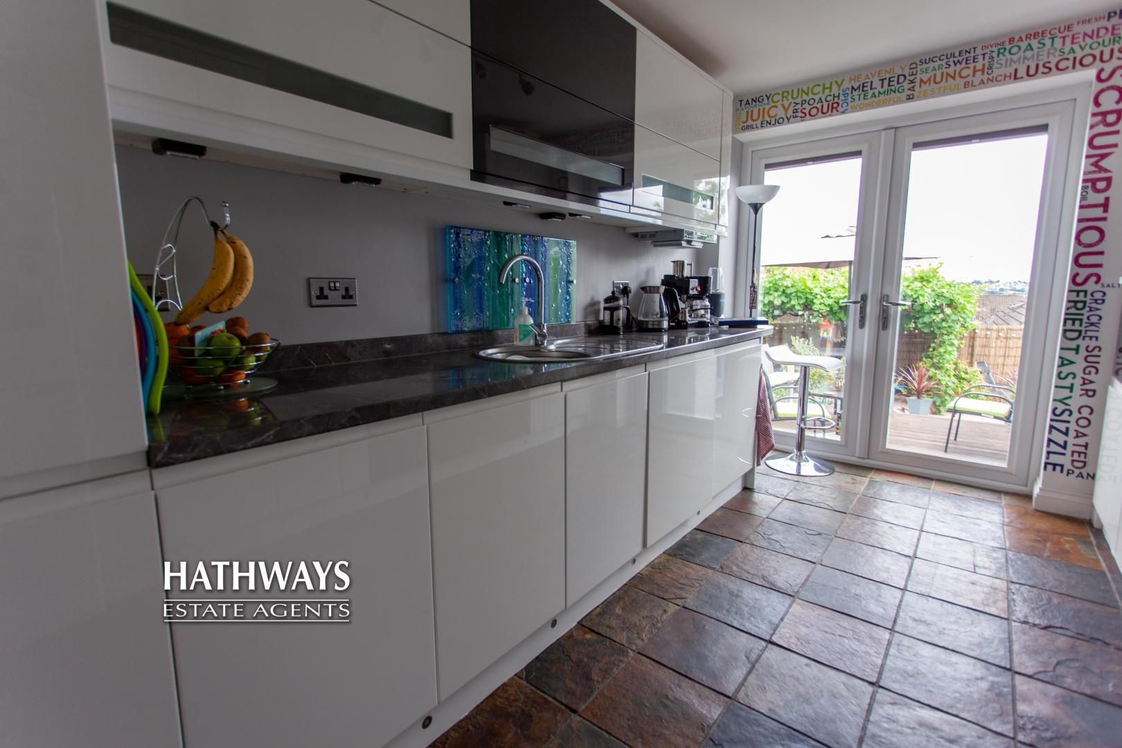 4 bed house for sale in Highfield Road 24