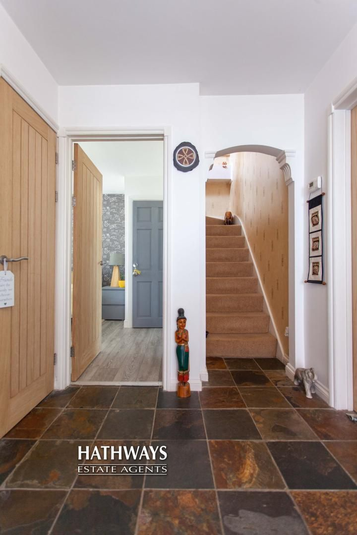 4 bed house for sale in Highfield Road  - Property Image 4