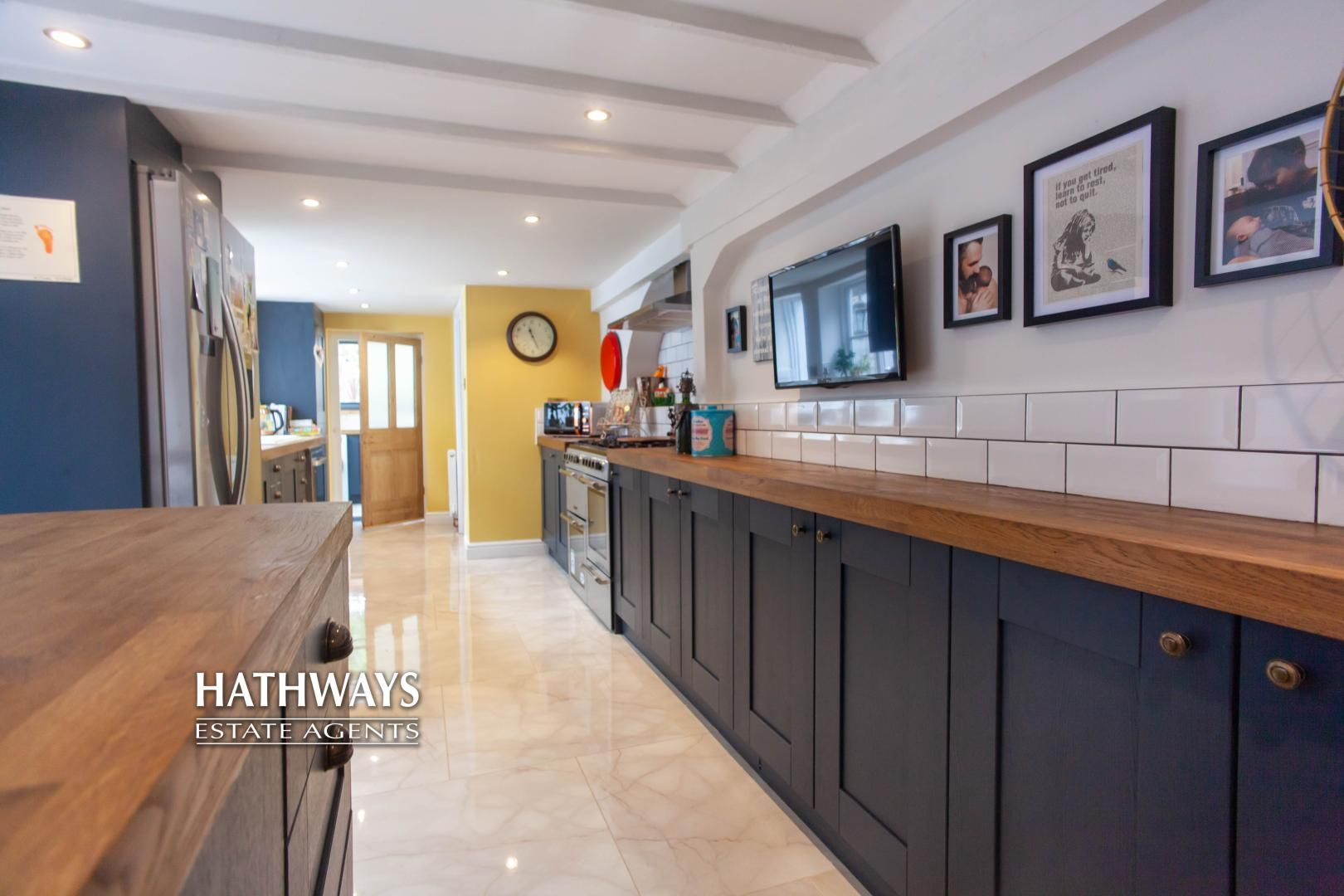 4 bed house for sale in High Street 26
