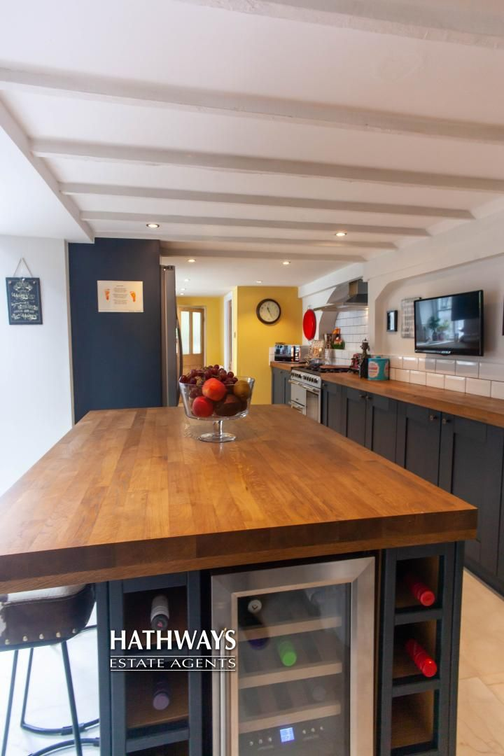 4 bed house for sale in High Street 28