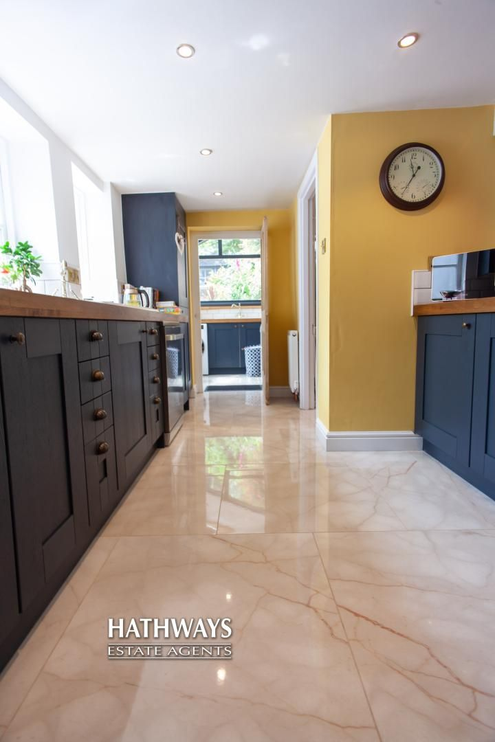 4 bed house for sale in High Street 31
