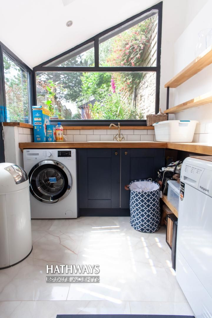 4 bed house for sale in High Street 32