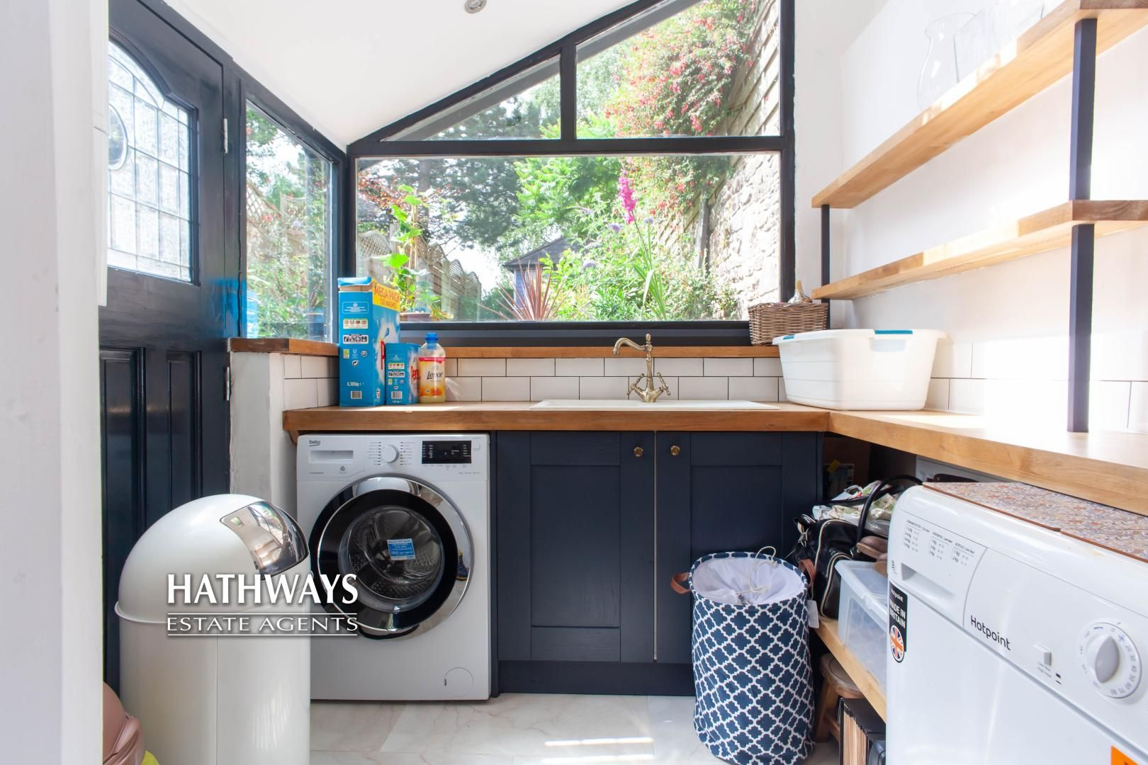 4 bed house for sale in High Street 33
