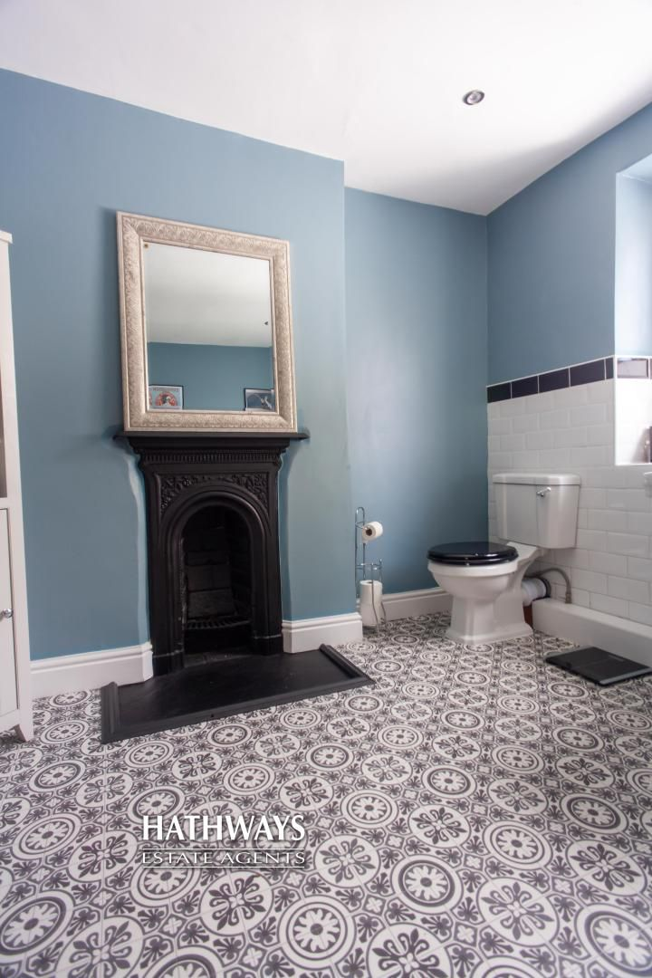 4 bed house for sale in High Street 57