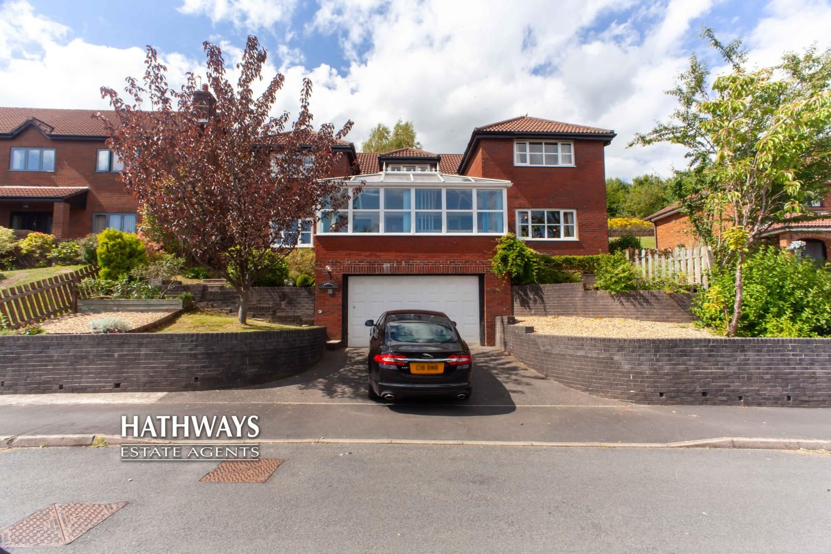 5 bed house for sale in Parkwood Close - Property Image 1