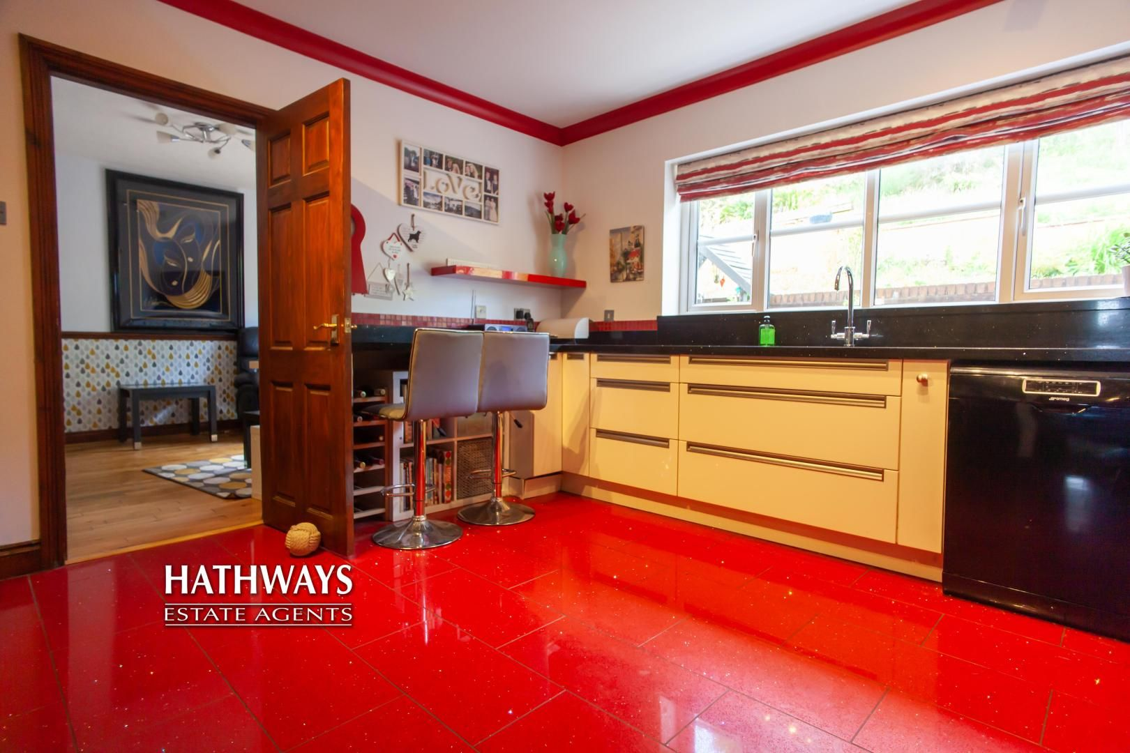 5 bed house for sale in Parkwood Close  - Property Image 23