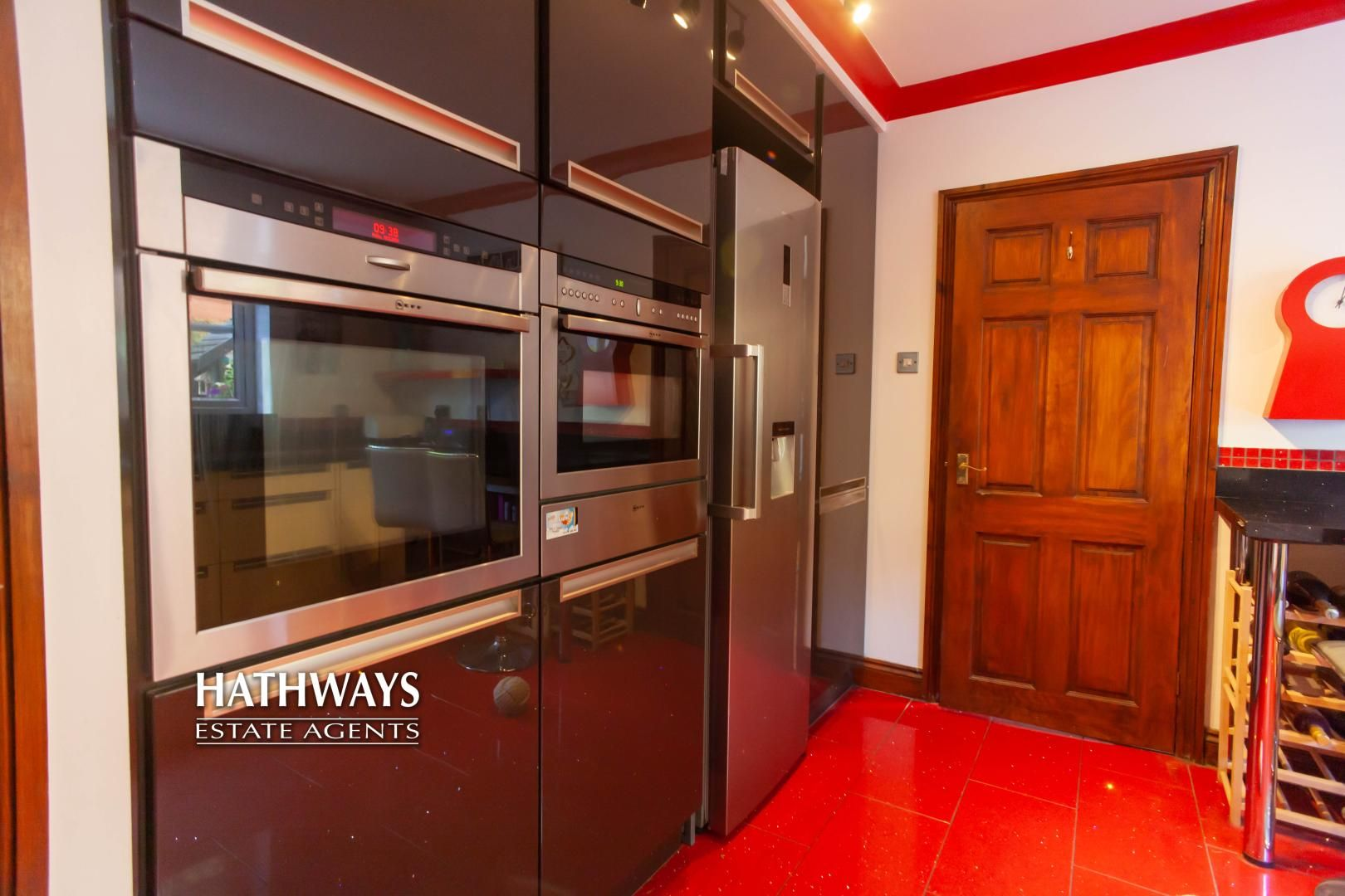 5 bed house for sale in Parkwood Close 27