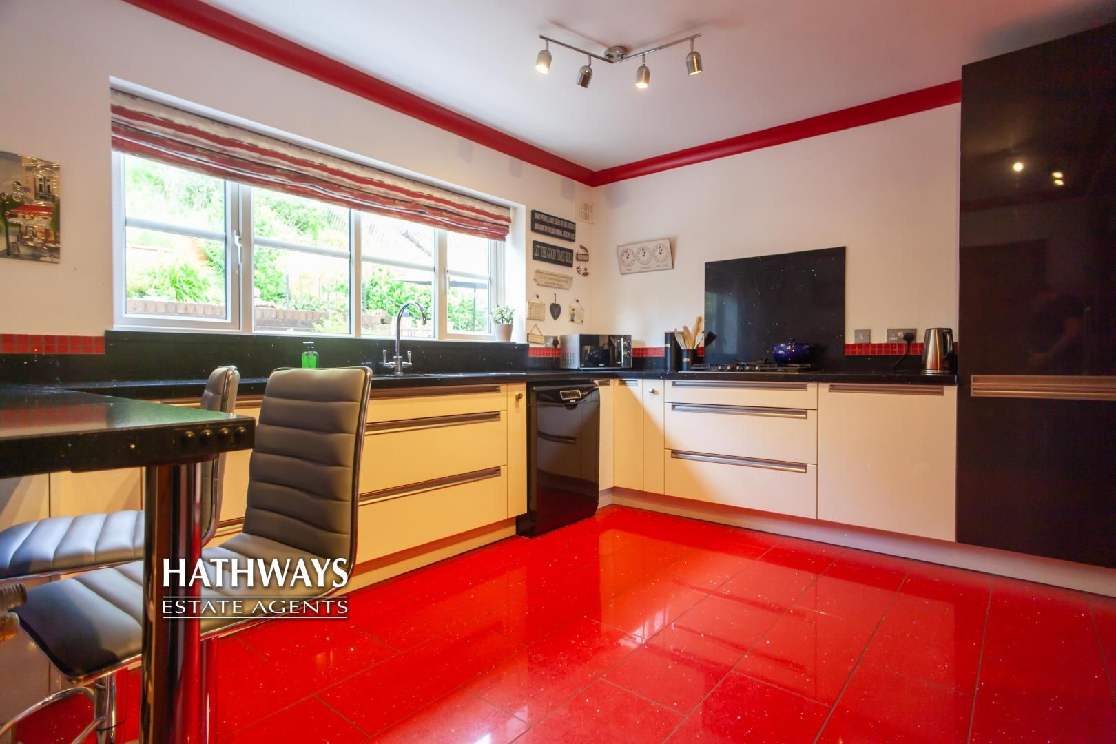 5 bed house for sale in Parkwood Close 30