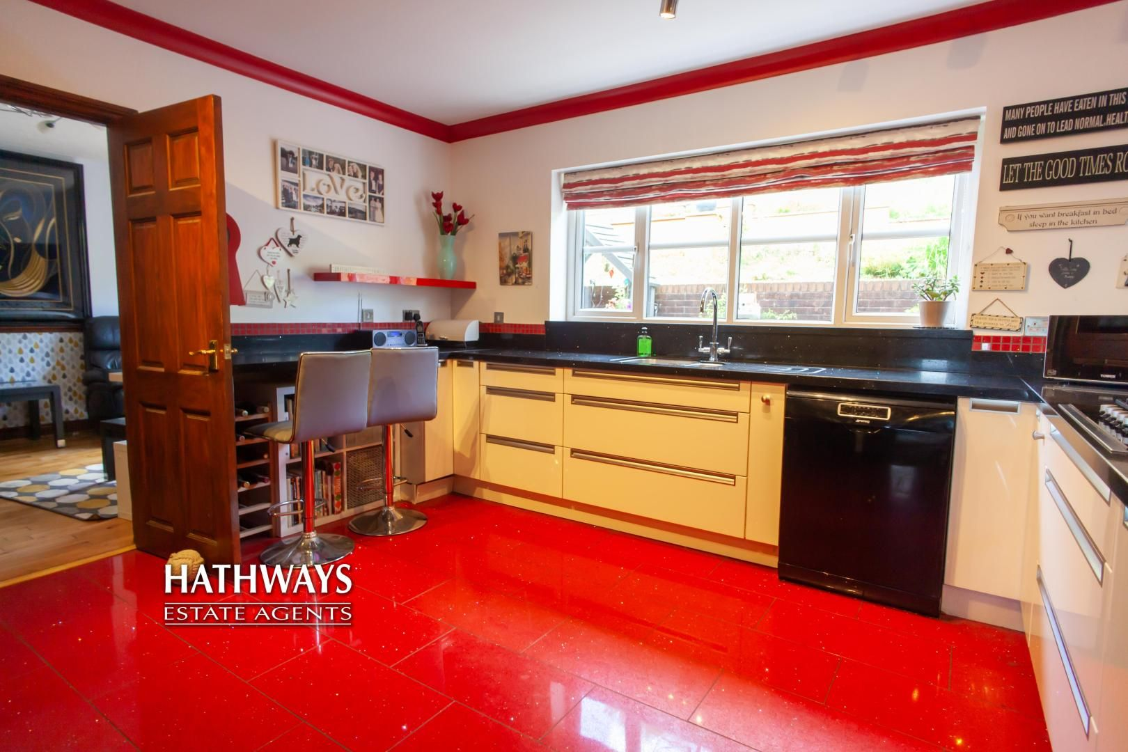5 bed house for sale in Parkwood Close 32