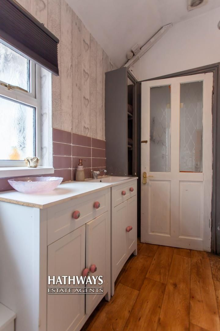 3 bed house for sale in Gladstone Place 12