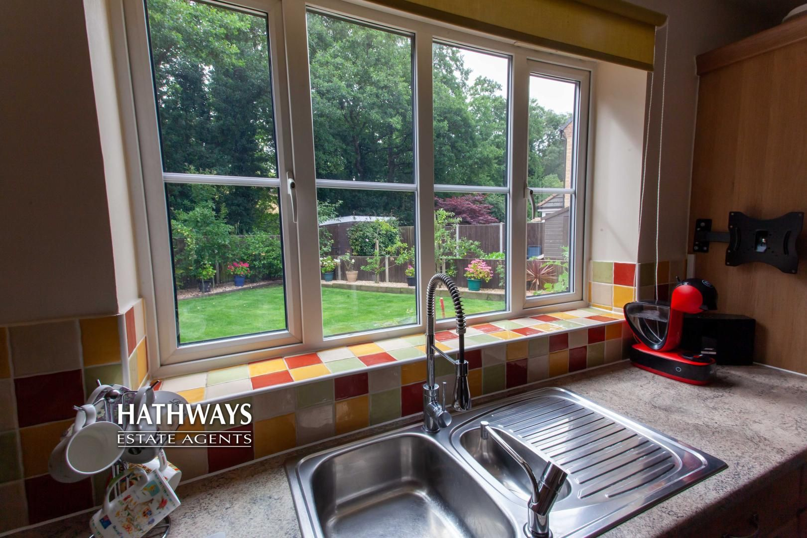 4 bed house for sale in Mill House Court 10