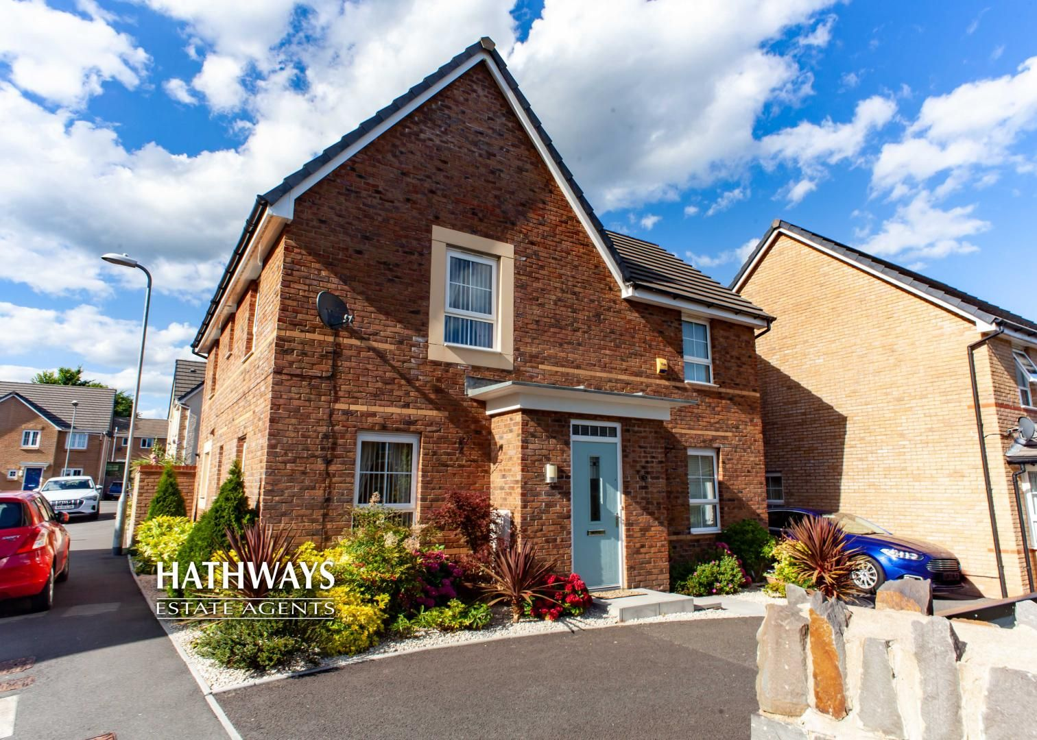 4 bed house for sale in Heol Senni,, NP20