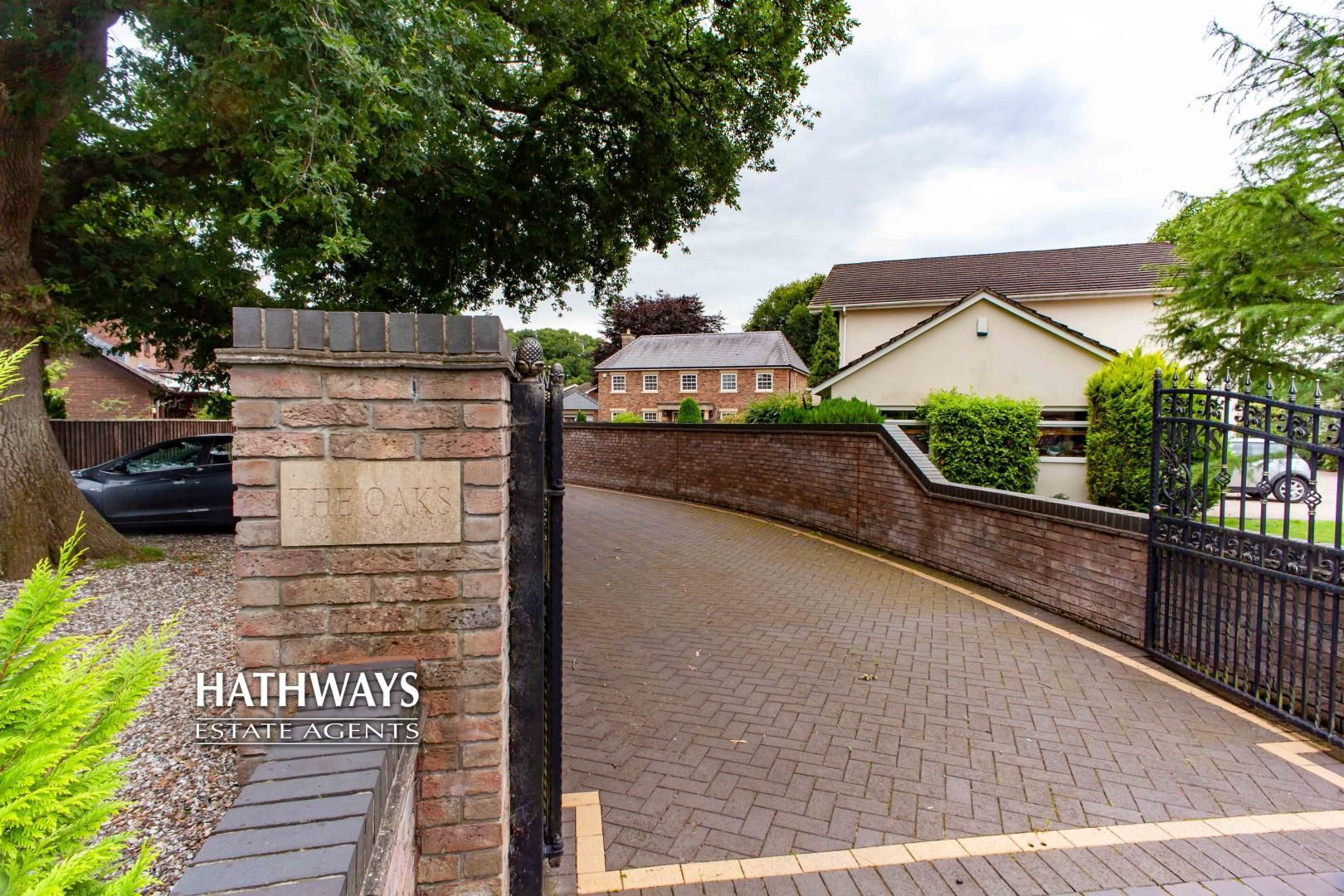 4 bed house for sale in Caerleon Road 13