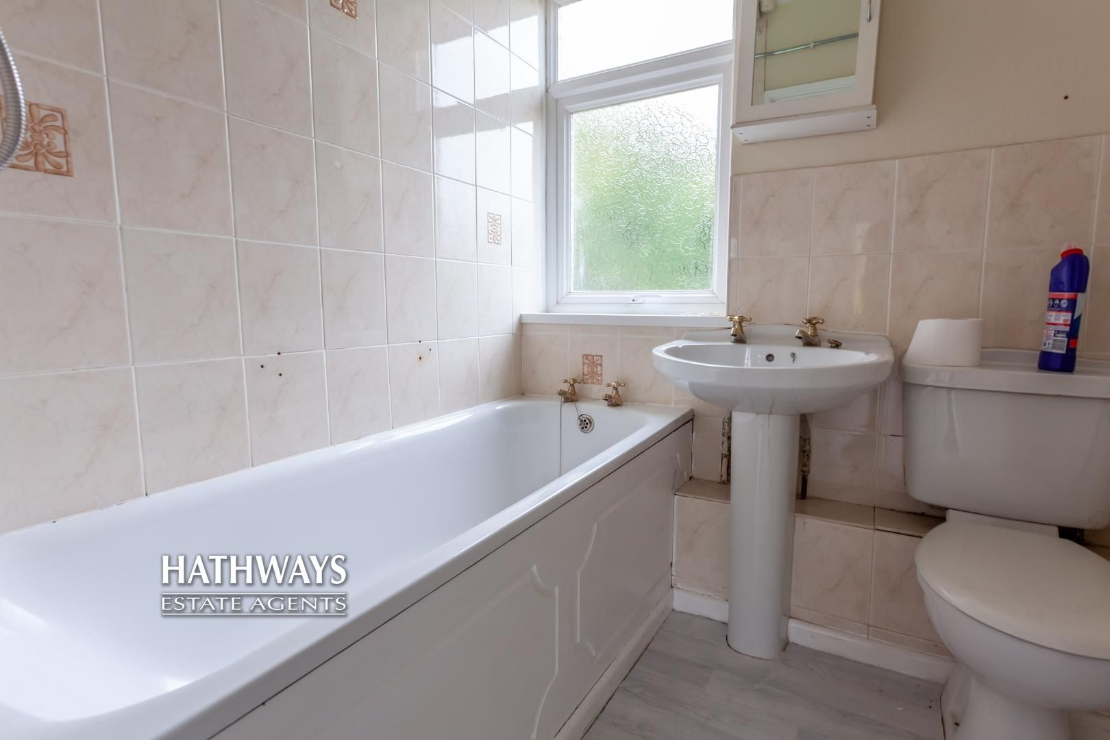 2 bed flat for sale in Bellin Close 28